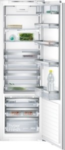 KI42FP60 Einbau-Kühlautomat Flachscharnier-Technik, softEinzug mit Türdämpfung Sockelaggregat – Be-